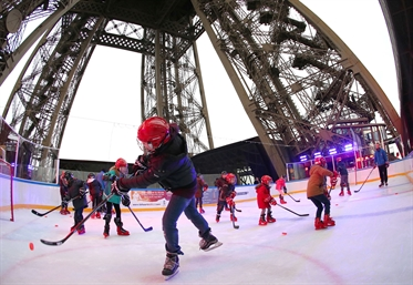 Hockey on the Eiffel Tower